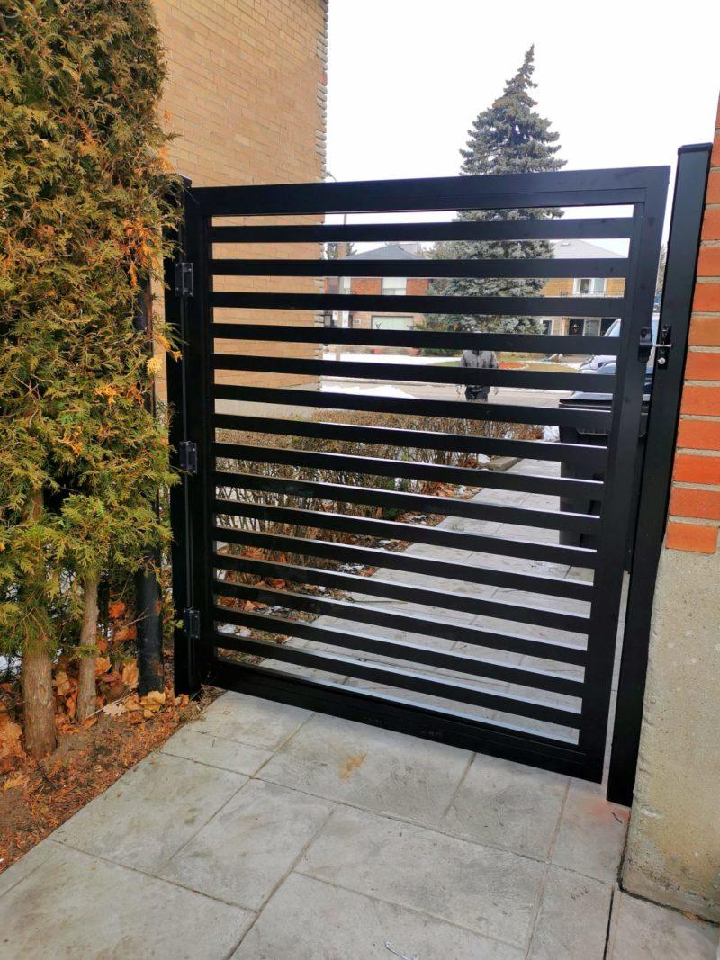 aluminum semi-privacy gate