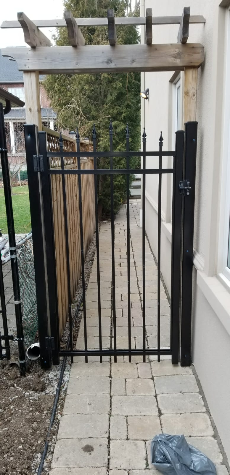 aluminum picket gates toronto